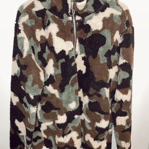 sherpa camo quarter zip up